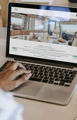 La SARL REMY Frères - Camping Car 16 a choisi de travailler avec Ozanges pour la création de son site Web et E-Commerce.