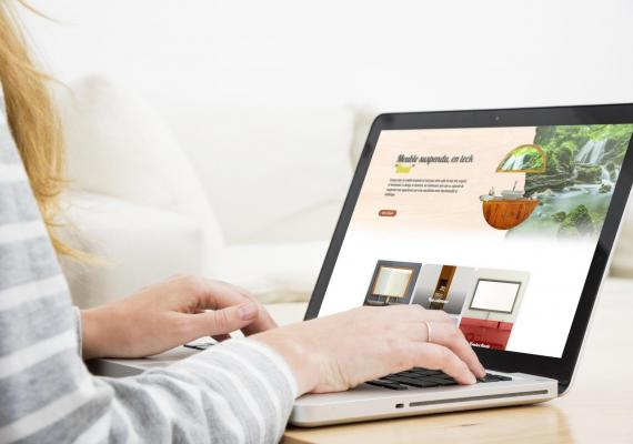 Saniteck, spécialiste dans la vente de salle des bain en teck a confié la réalisation de son site Web et E-Commerce à Ozanges.