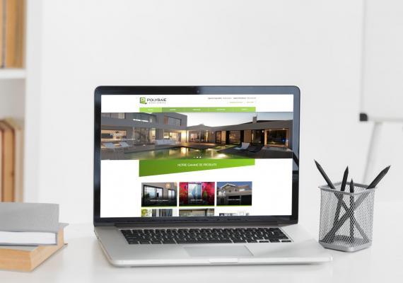 Spécialiste en Menuiserie pvc et Aluminium, Polybaie a confié la réalisation de son site Web à notre équipe Ozanges.
